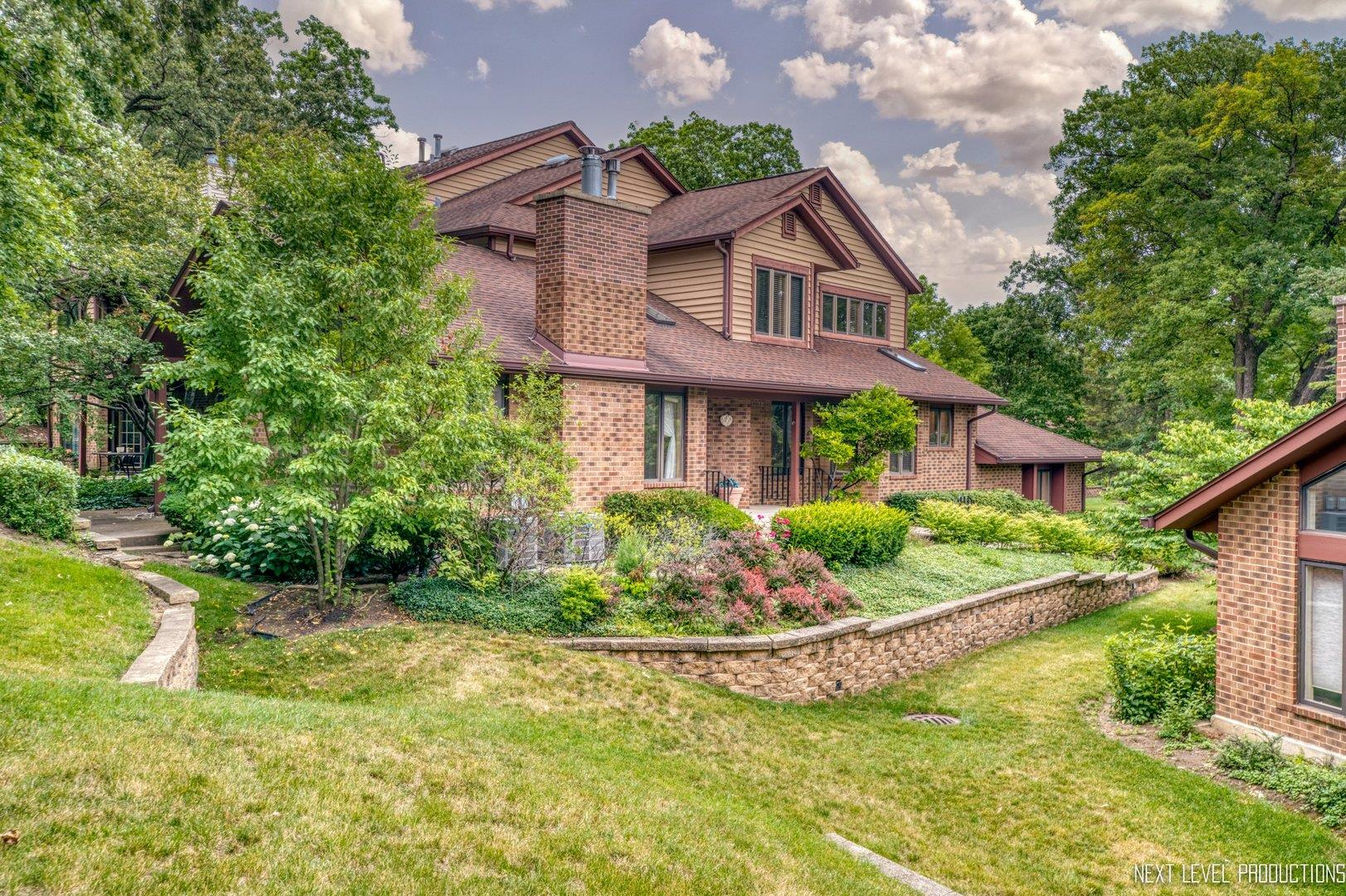 1052 Braemoor Drive #1052, Downers Grove, IL 60515 - #: 11174943