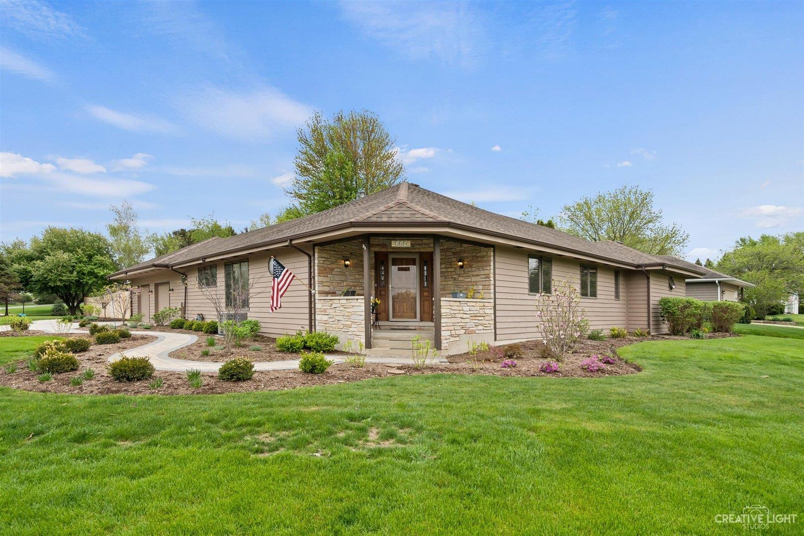340 Carriage Hill Court, Sugar Grove, IL 60554 - #: 11077944