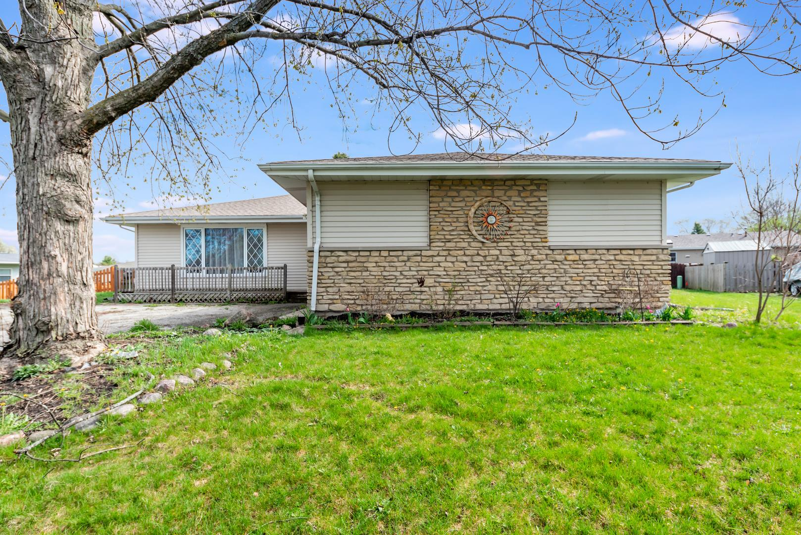 329 Eastgate Court, New Lenox, IL 60451 - #: 11056945