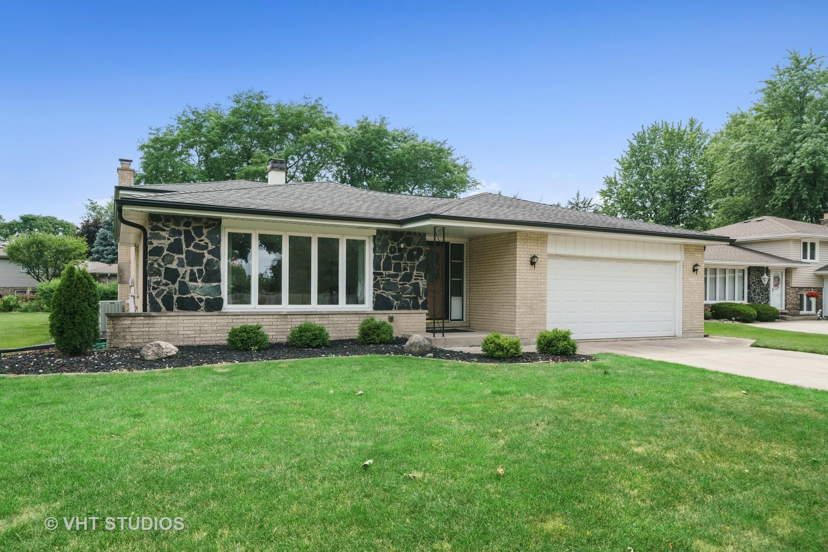 413 Claremont Drive, Downers Grove, IL 60516 - #: 10801948