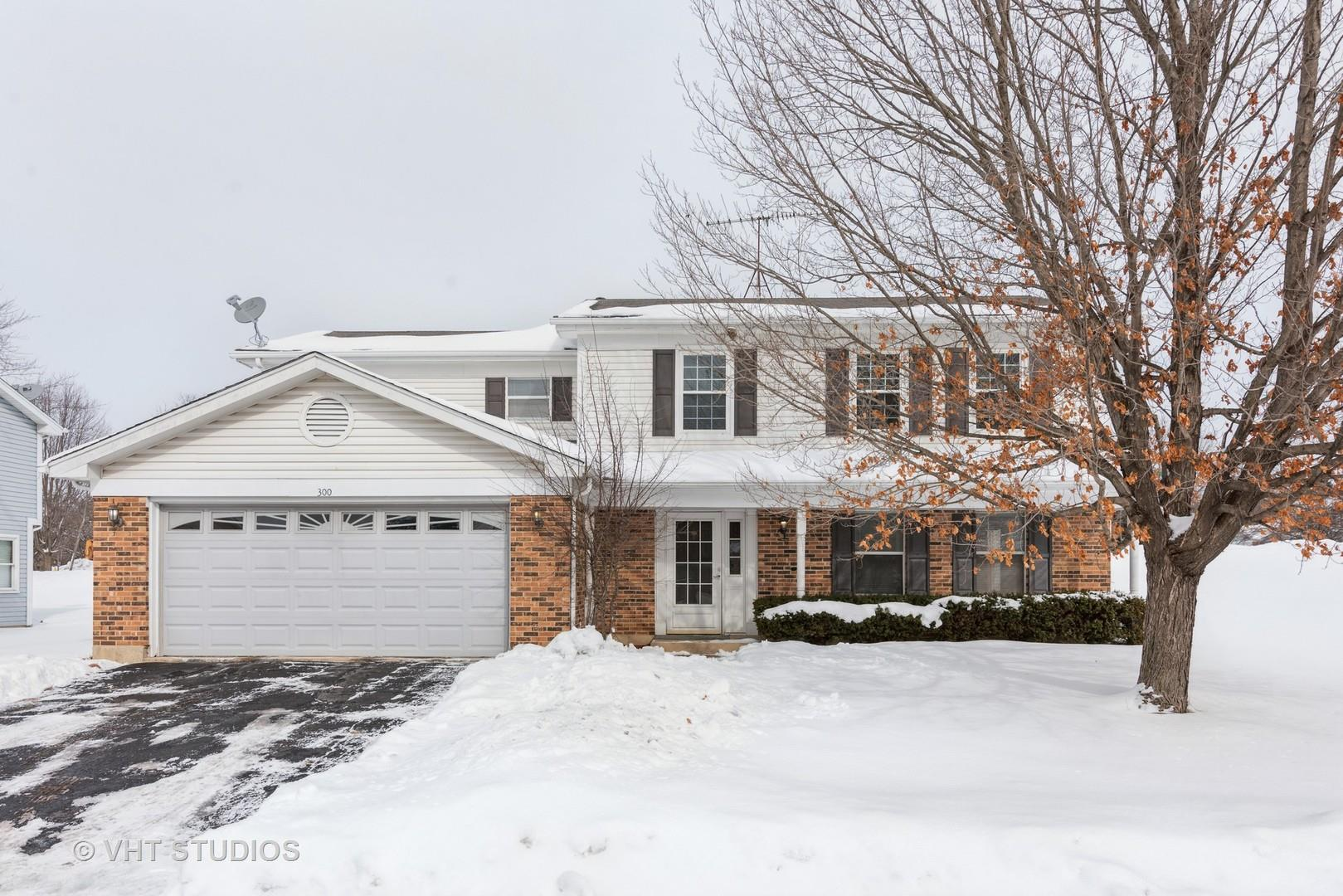 300 Country Lane, Algonquin, IL 60102 - #: 10996957