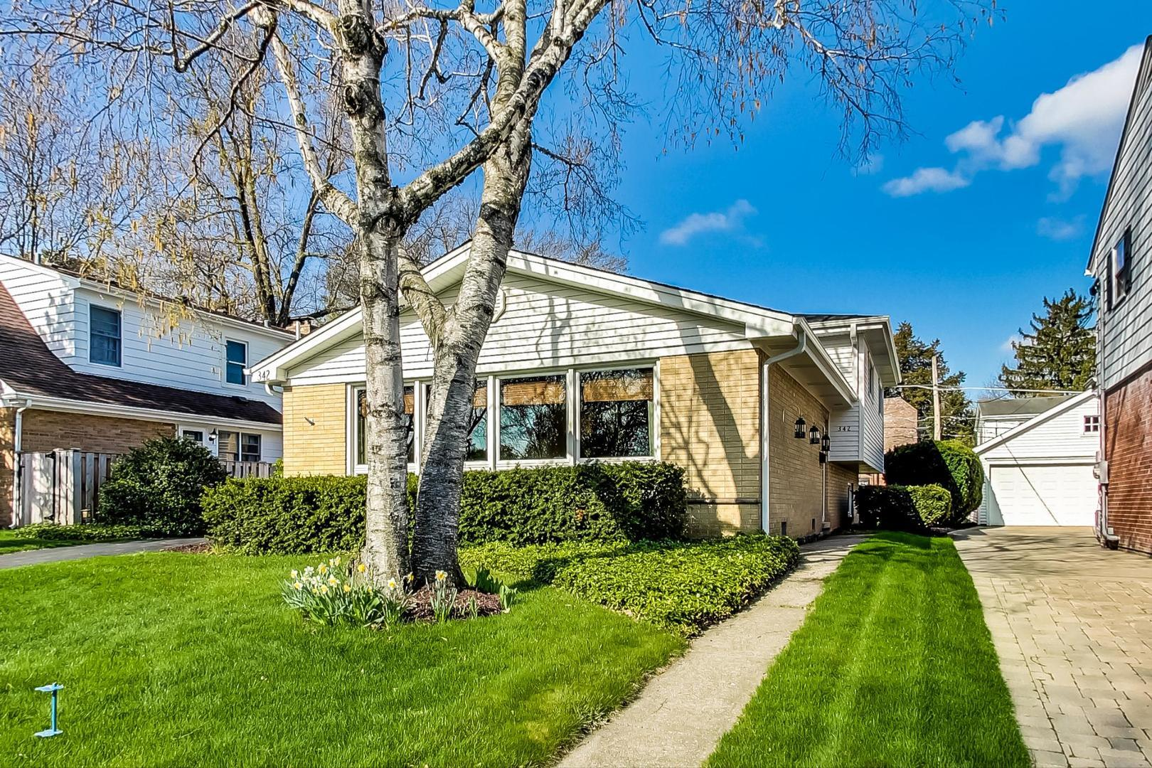 342 S Gibbons Avenue, Arlington Heights, IL 60004 - #: 11060957
