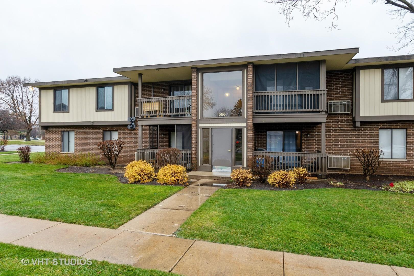 560 SOMERSET Lane #8, Crystal Lake, IL 60014 - #: 10940961
