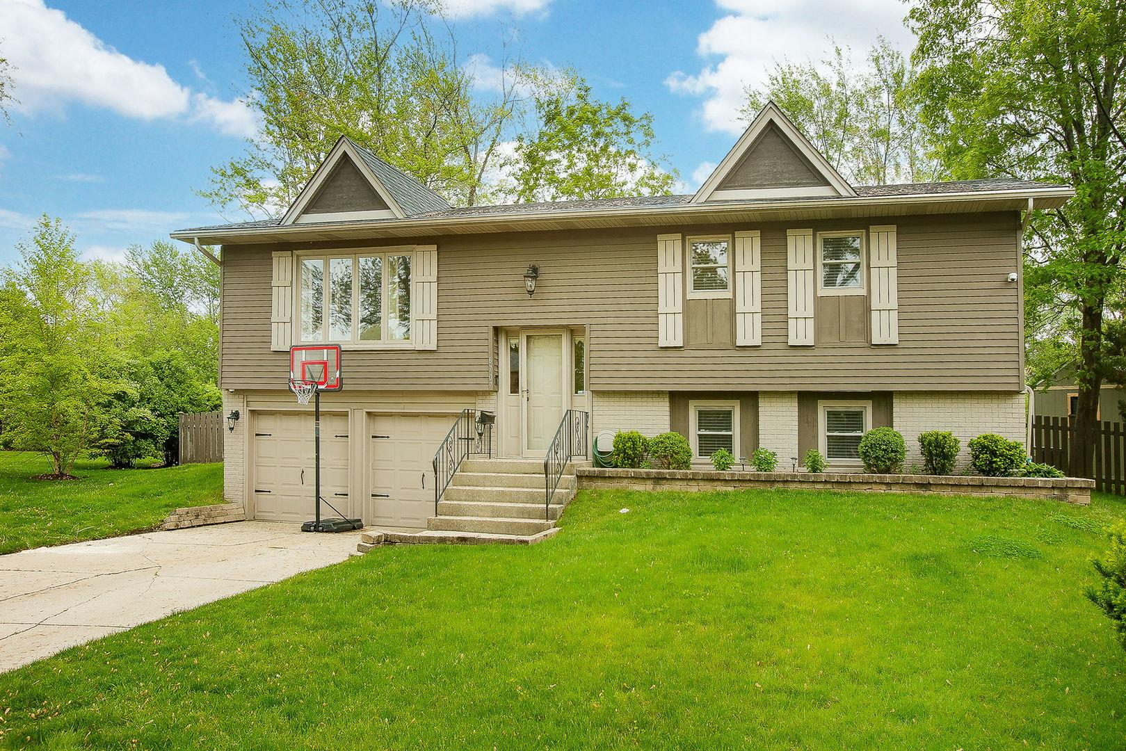 6707 Meadowcrest Drive, Downers Grove, IL 60516 - #: 11128961