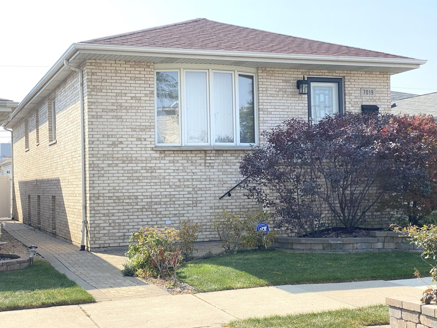 7019 W 64th Place, Chicago, IL 60638 - #: 10893967