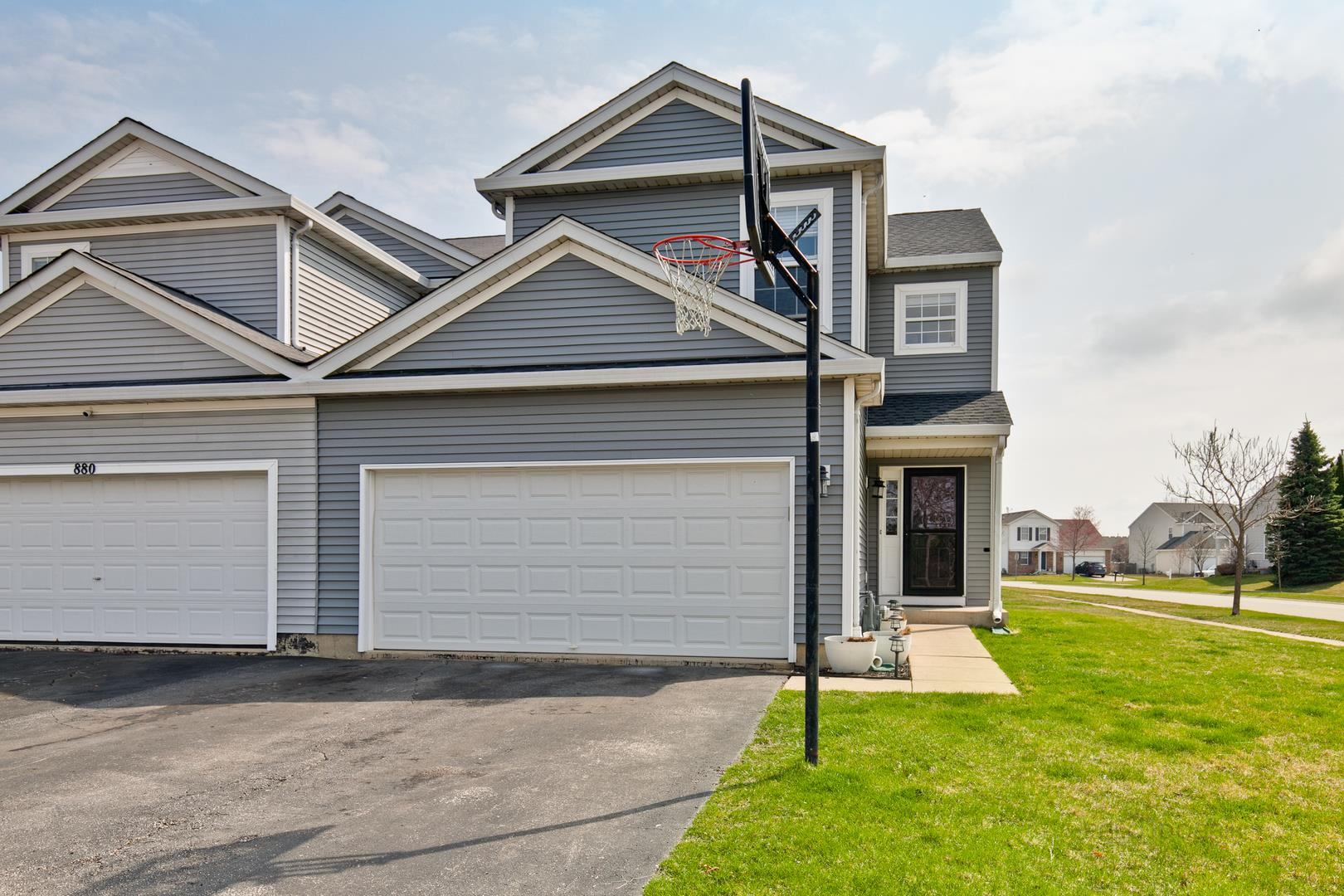890 Wedgewood Circle, Lake in the Hills, IL 60156 - #: 10685968