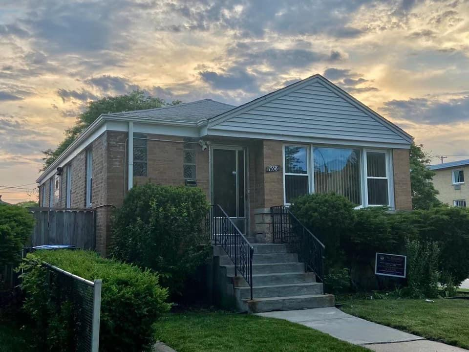 7558 N Rockwell Street, Chicago, IL 60645 - #: 11113970