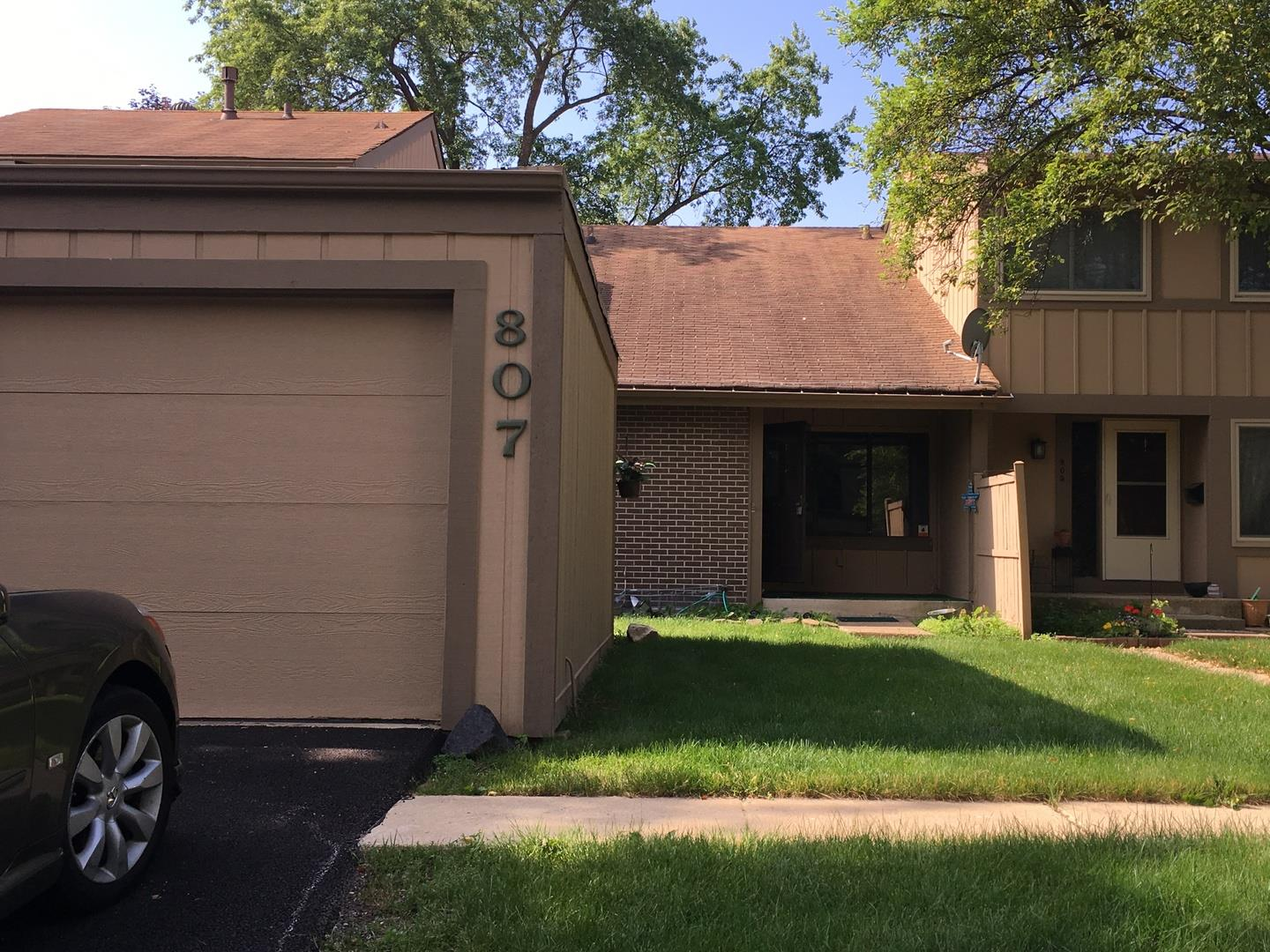 807 OVERLAND Trail, Roselle, IL 60172 - #: 10906977