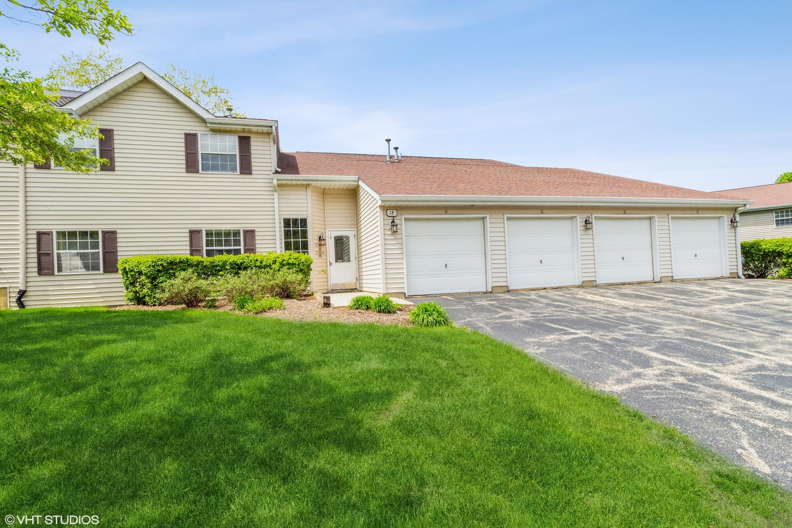 18 N VICTORIA Lane #C, Streamwood, IL 60107 - #: 11075977