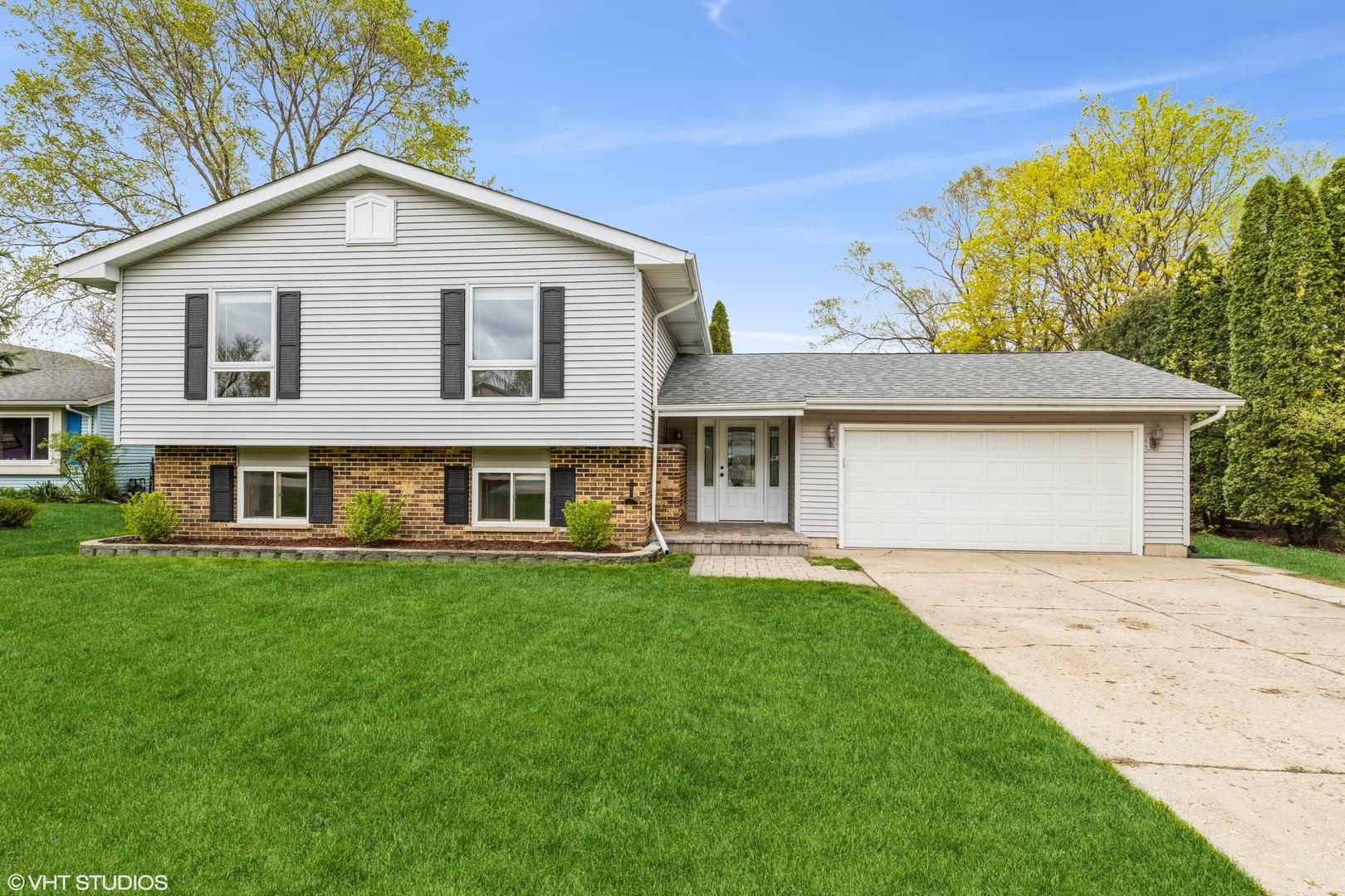 1300 HILLSIDE Lane, McHenry, IL 60051 - #: 11061982