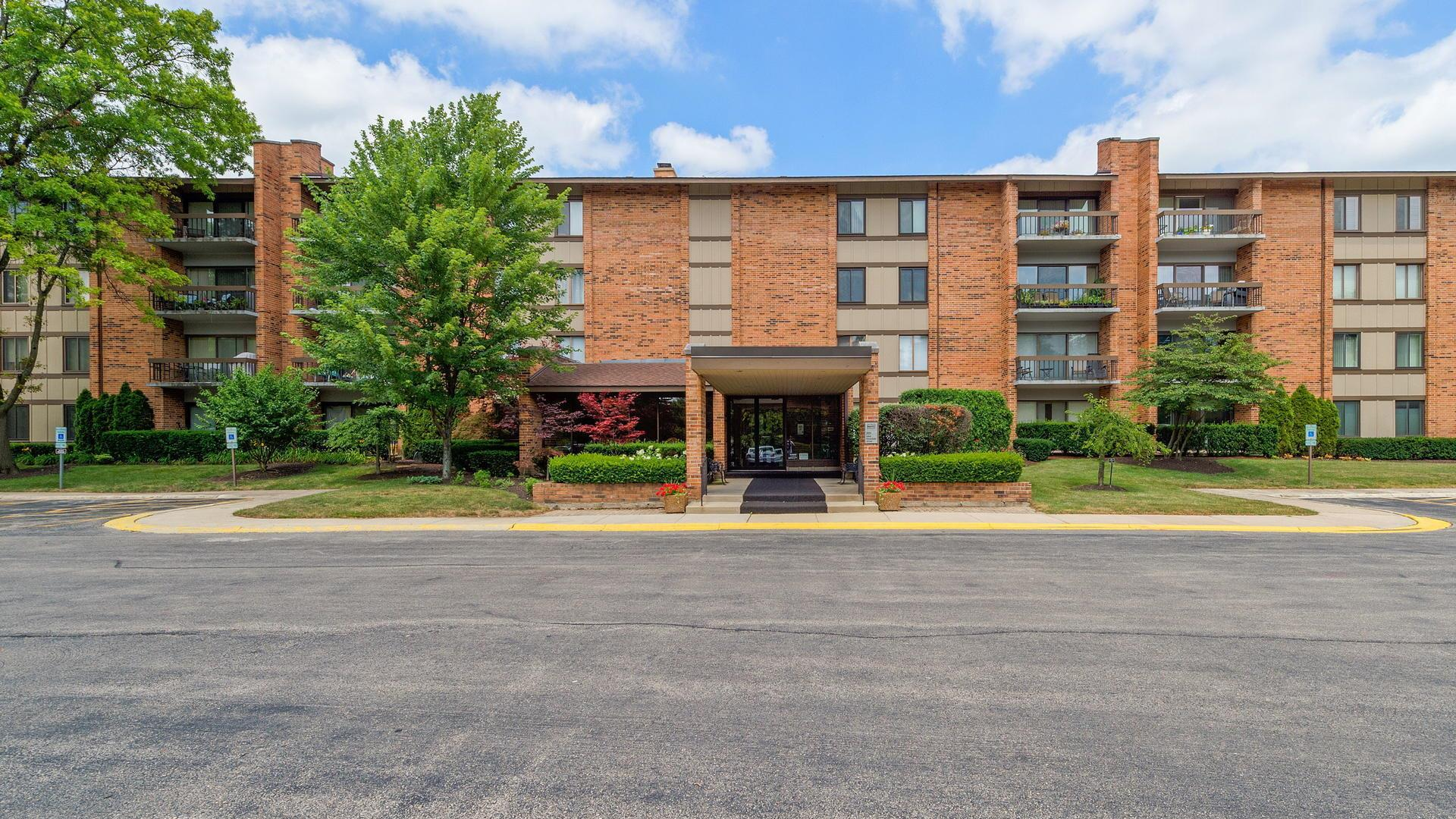 201 Lake Hinsdale Drive #206C, Willowbrook, IL 60527 - #: 11172996
