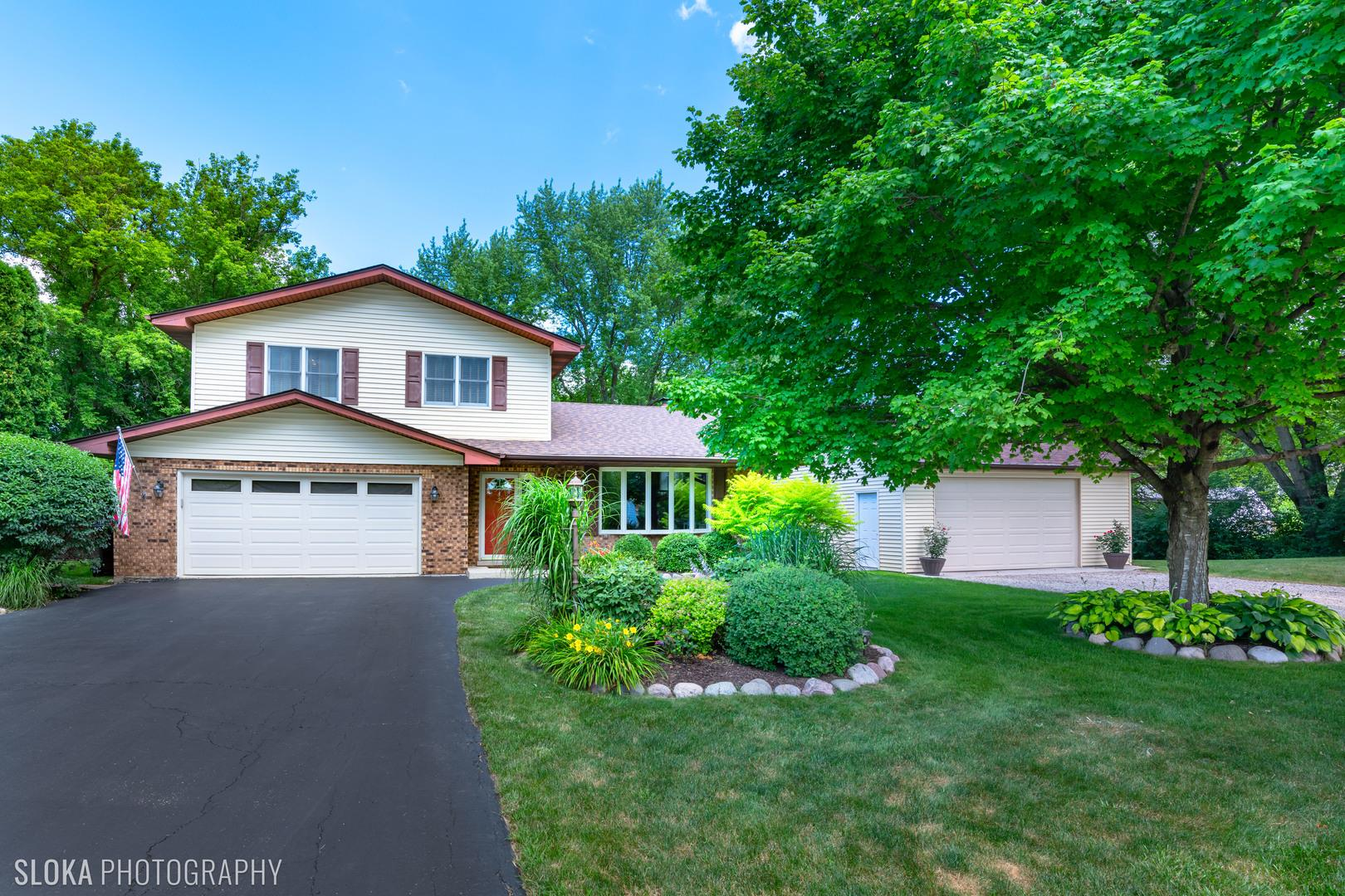 27869 N LAKEVIEW Circle, McHenry, IL 60051 - #: 10781997