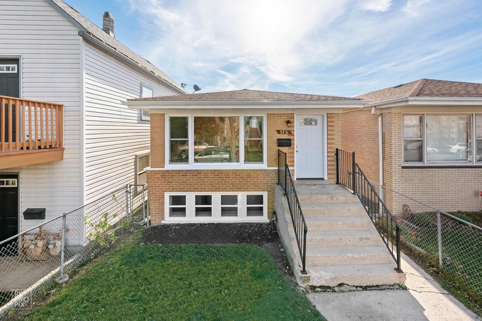 3231 W 38TH Place, Chicago, IL 60632 - #: 10937999